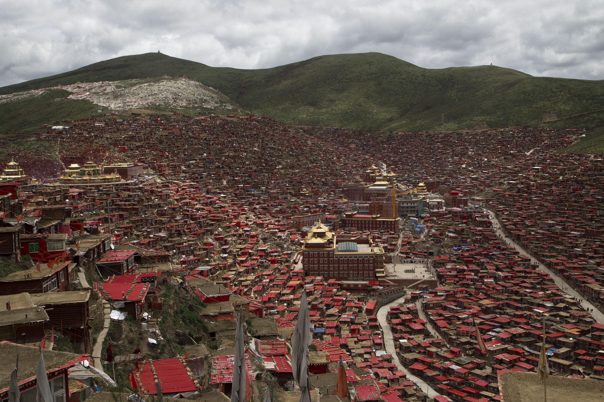 Larung Gar, la mayor Universidad Budista del mundo...